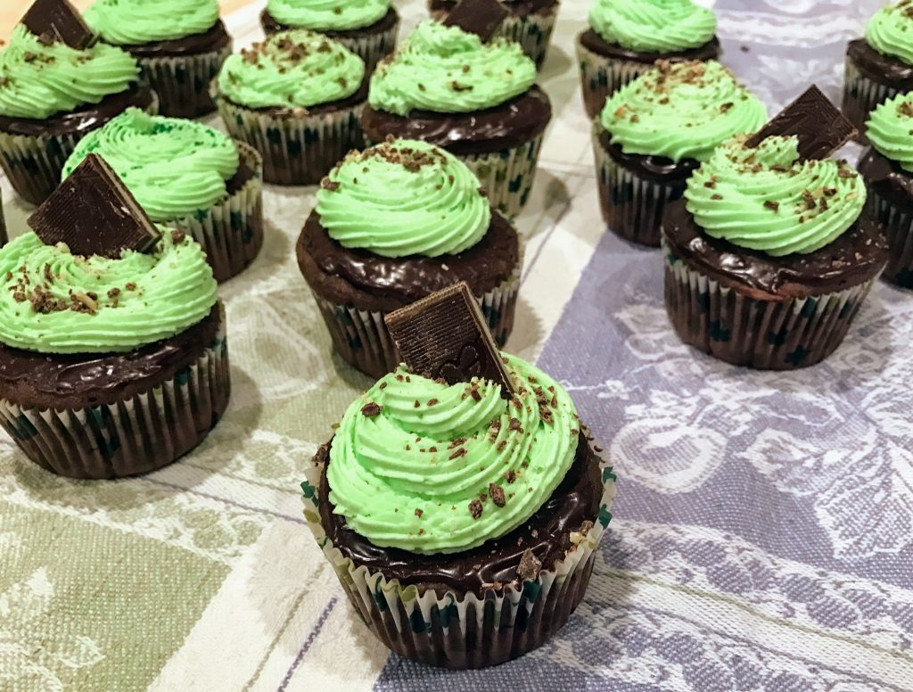thin mint st. patrick's day cupcakes