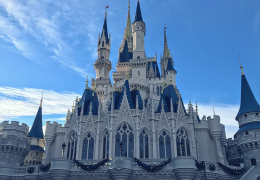 cinderellas-castle-magic-kingdom